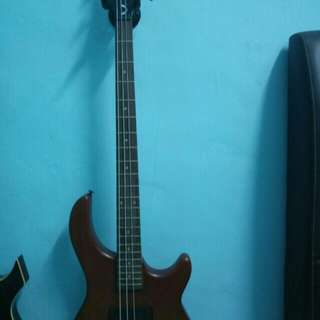 4-string Bass Guitar