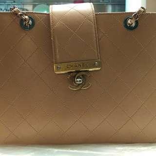 杏色Chanel Grand Shopping Bag