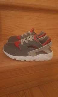 Nike huaraches size 9C
