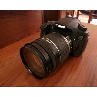 Canon 60D c/w Canon 18-200mm is Lens Mint Condition Full box Set
