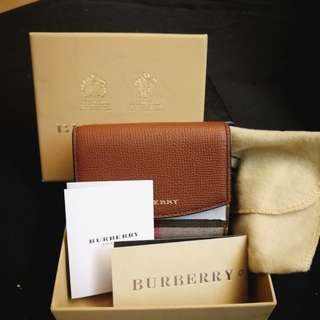 Burberry咖啡色兩折短夾