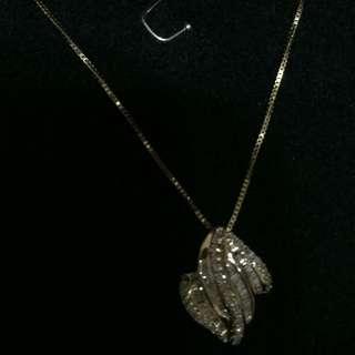 18k gold with diamonds pendant