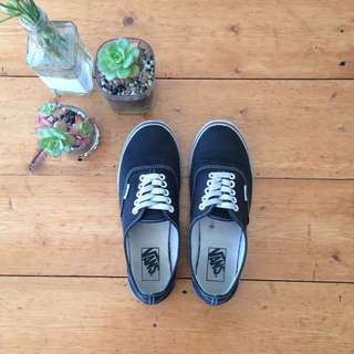 Black Vans - Women's Size 8 (Men's 6.5)