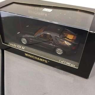 1/43 Porsche 928 S4. Minichamps.