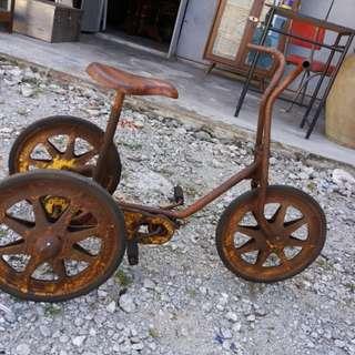 Vintage mobo england trecycle