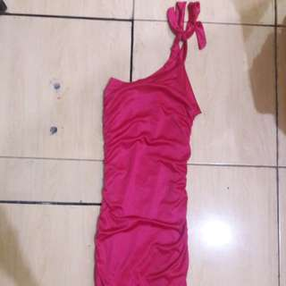 Preloved Dress Pink Sexy Ngepress Body Fit to L kecil Mat Satin