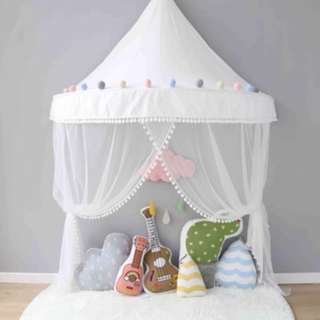 Charly teepee tent with felt balls