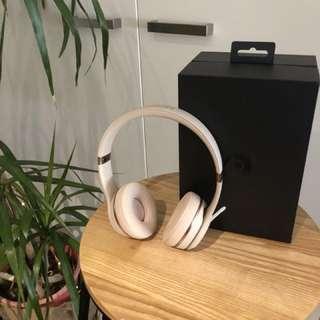 Beats solo 3 wireless headphones - matte gold