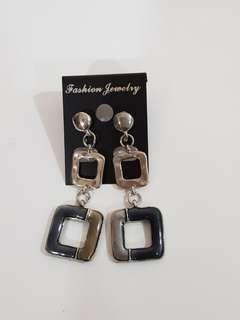 🔵E37 BN Dangling Earrings