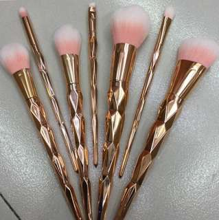 Rosegold unicorn brush set