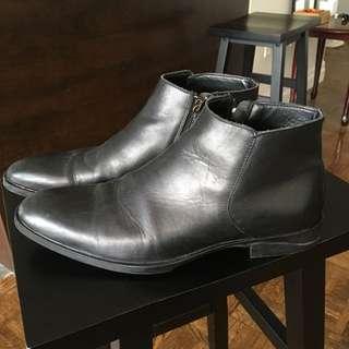 Zara men black leather ankle boot