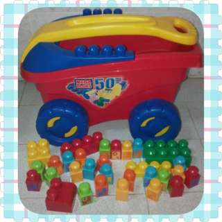 Mega Bloks Big Wagon with 30 Blocks