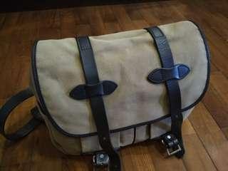 Filson Field Messenger Bag Medium