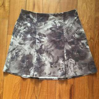 #IDoTrades Brandy Melville Brown Seude Floral Skirt