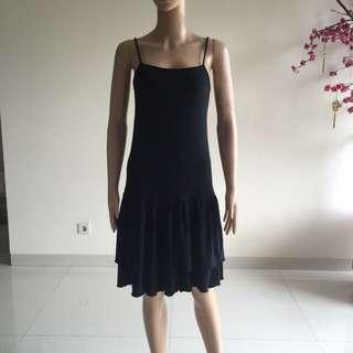 Dress sleeveless hitam