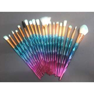 20 PIECES MINT GREEN RAINBOW UNICORN BRUSHES