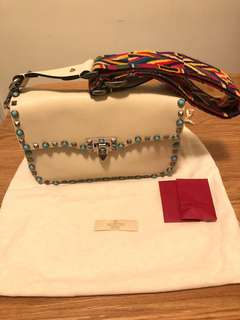 Valentino Rockstud leather white shoulder bag 💯 authentic