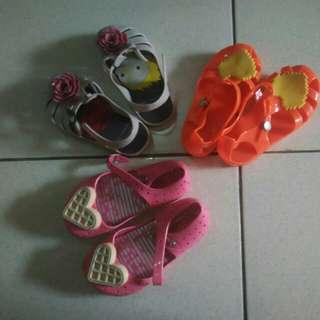 PRELOVED sepatu sendal anak perempuan
