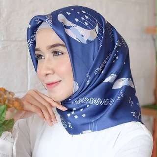 Hijab motif bulan