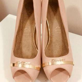 Salmon pink & gold heels, size 36
