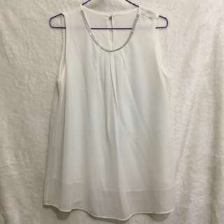 🌸SALE ALERT🌸 Choose 3 items for P300 OR 5 items for P500 only! (Except for branded items) No shipping fee included!! | Sleeveless White Top