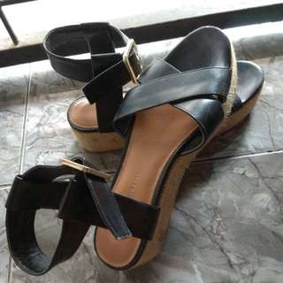 Reprice Charles and Keith
