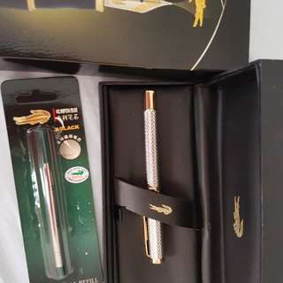 Crocodile pen