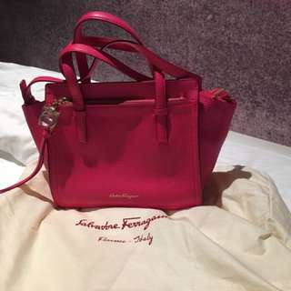 Ferragamo Bag 粉紅色 100%new100%real