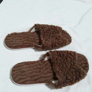 Unisex Bedroom / Indoor Slippers fits 6-7-8
