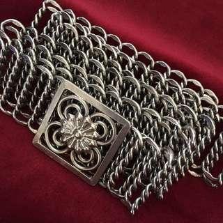 👉 Silver belt