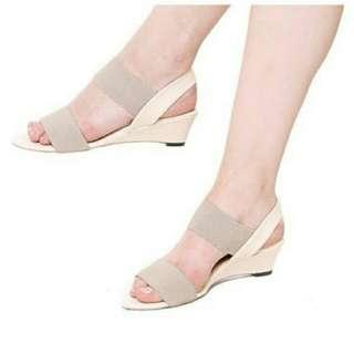 Sandal sendal wedges Wanita Marlee creamy