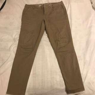 Gap khaki pants size 04