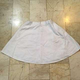 Skirt 👩🏻👱🏻♀️