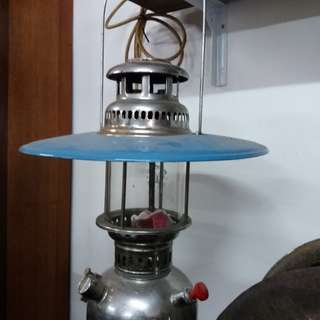 Antique gasolin lamp..