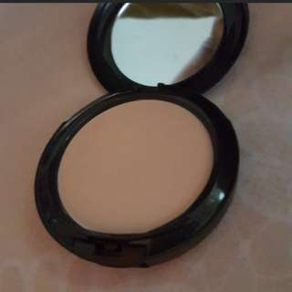 Authentic MAC Powder NC35