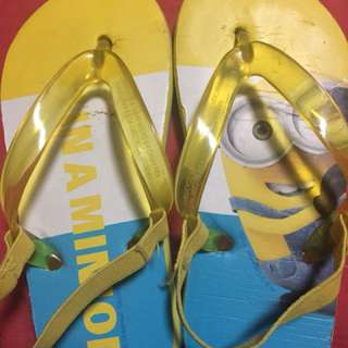 H&M minions slippers for 2 y0