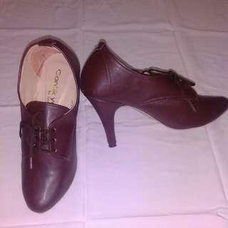 Sepatu Boots heells coklat