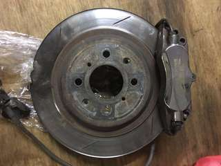 Jbt brake kit 6pot 282mm Honda Fit or Jazz brake pad still have 50% disc rotors about 60%.ge  model