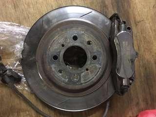 Jbt brake kit 6pot 282mm Honda Fit or Jazz brake pad still have 50% disc rotors about 60%.ge  model