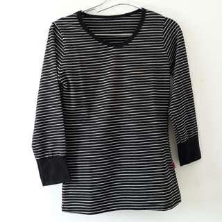 Black Striped White Shirt / Long Sleeve / Atasan Lengan Panjang Garis