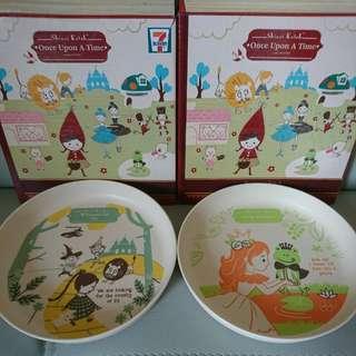 $20 for 2,全新 7-11 童話系列竹碟連盒共2款