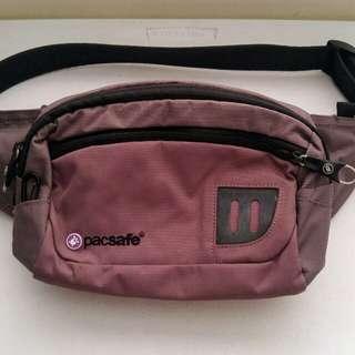 Pacsafe Anti-theft Beltbag