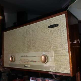 Antique radio ..england