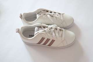 Adidas neo sneakers rose gold