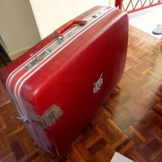Vintage Echolac hard shell suitcase great condition