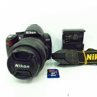 Nikon D3000 with 18-55mm kitlens