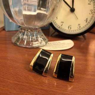 🚚 Vintage 簡單時尚黑色金色經典復古方耳環