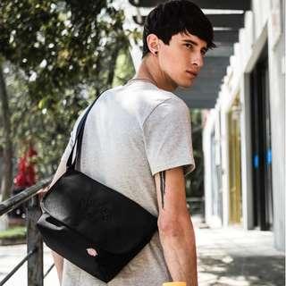 美國 Dickies 黑色牛津布 細郵差袋 Messenger Bag (送贈品)