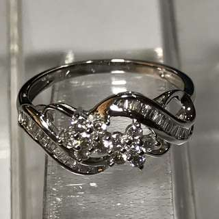 {Women's Jewelry - Diamond Ring} Beautiful Sparkling 9K White Gold Genuine Diamonds Ring