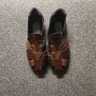 Vintage brown sandals sz6